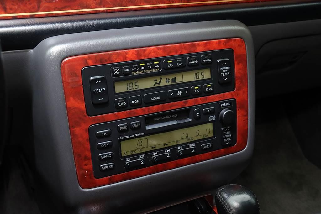 20年前 Toyota 就為了 Century 打造「三區」恆溫空調系統,是領先 BMW、Mercedes-Benz 的跨世代設計!