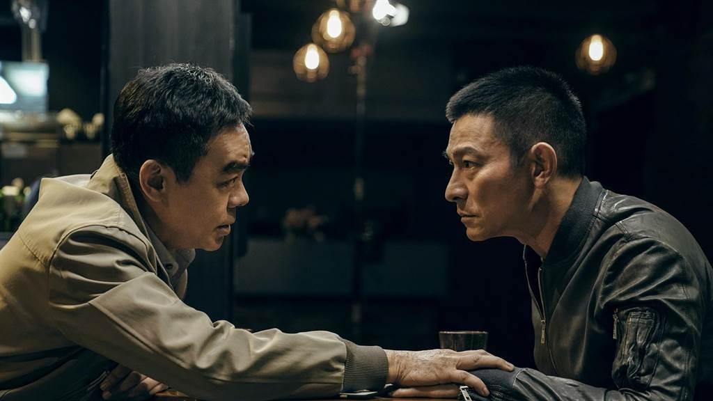 劉青雲、劉德華在《拆彈專家2》飆戲。(華映提供)