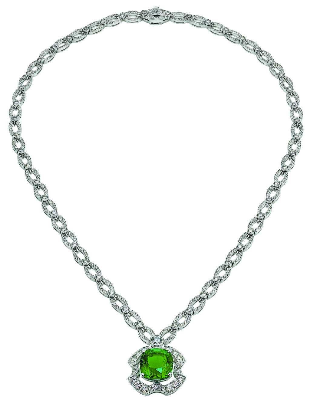 寶格麗要價1600萬的祖母綠項鍊。(BVLGARI提供)