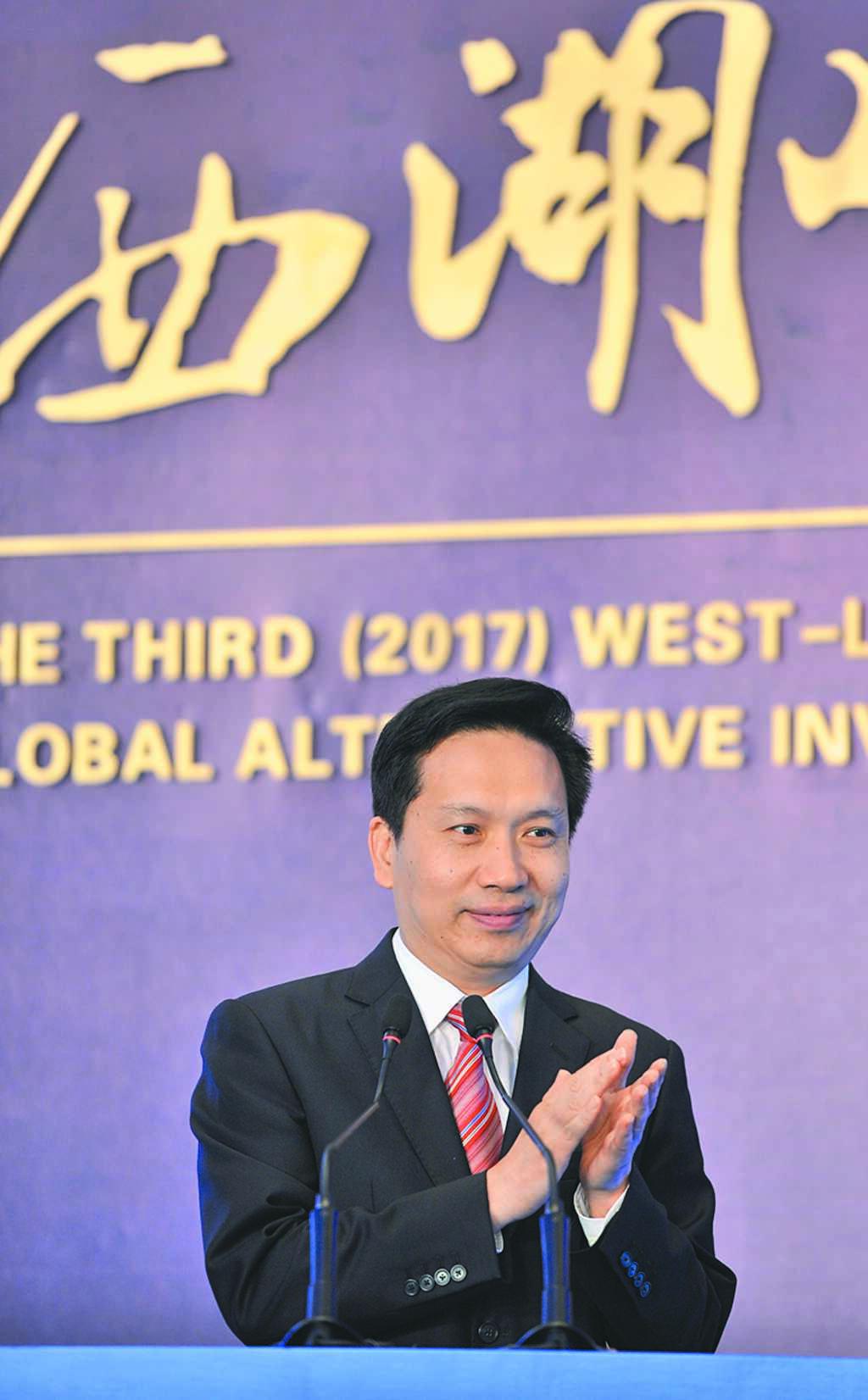 趙一德是大陸目前最年輕的省長,而他身上的「東南軍」色彩十分明顯。(中新社資料照片)