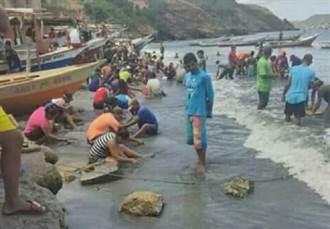 連續3個月黃金珠寶沖上海岸 這國窮漁村天天掏寶樂歪