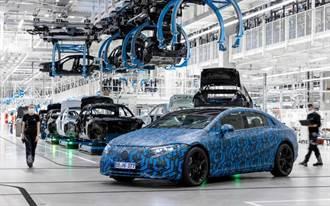 賓士 EQ 電動車大軍整隊!六款新車 2021 年起在美中歐三大洲生產