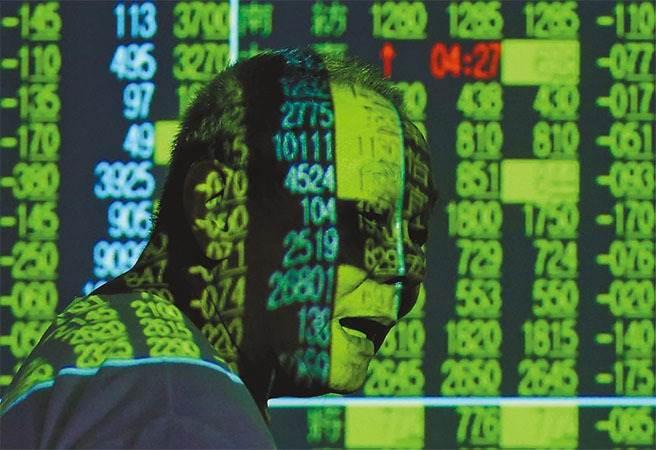 台股今日下挫逾142點,已跌破14100點。(本報系資料照片)
