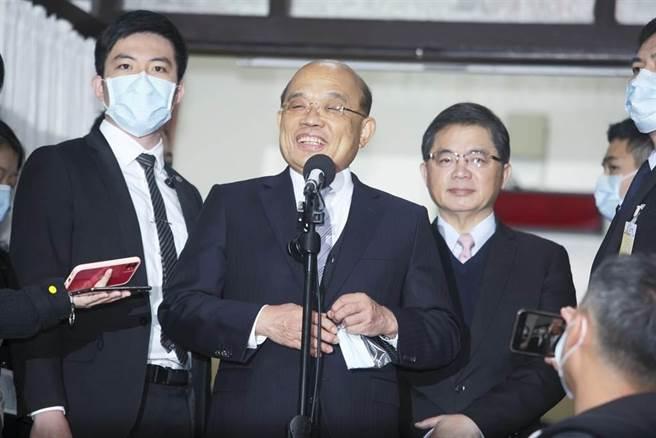行政院長蘇貞昌今日赴立法院備詢前發表談話。(張鎧乙攝)