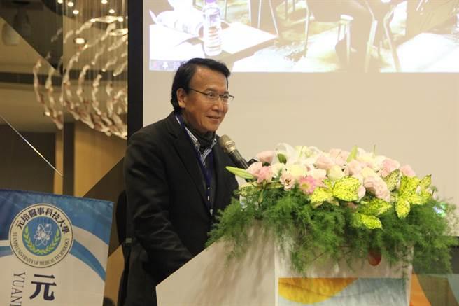 台灣私立科技大學院會協進會理事長、德明科大校長徐守德,呼籲兩岸技職教育體系加強合作。(記者洪肇君攝)