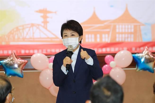 台中市長盧秀燕重申,一旦抓到營養午餐團膳業者使用萊豬,「立刻解除契約,而且永不錄用」!(王文吉攝)