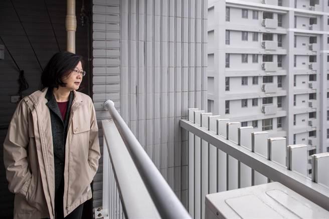 談社會住宅  蔡英文:只要參與的人比唱衰的人多,居住問題可以越來越好。(取自蔡英文臉書)