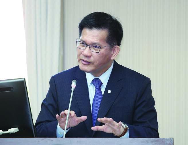 交通部长林佳龙14日表示,已向行政院争取250亿融资额度,助航空业度难关。图/本报资料照片