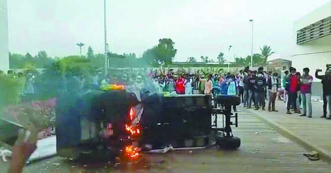 緯創在印度生產蘋果手機的工廠日前發生暴動,據傳為數可觀的iPhone手機失竊,損失達16.7億元。(摘自推特)
