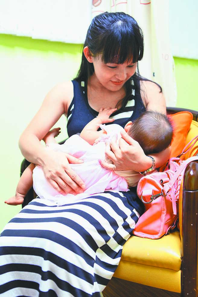搶救生育率,台北市議員建議市府發放生育獎勵金第3胎從2萬元提高為3萬元。(張立勳攝)