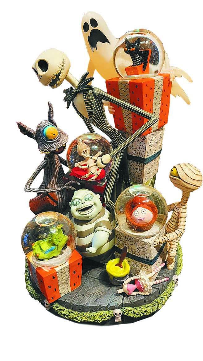 寬庭美學的絕版耶誕夜驚魂水球擺飾,1萬2800元。(寬庭美學提供)
