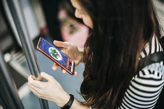 Yahoo奇摩攜手等公車App 邀公車族打卡植樹換聖誕口罩