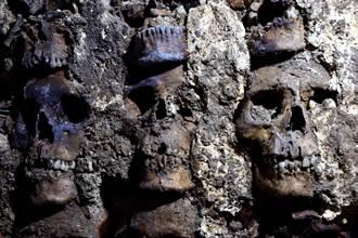 阿茲特克骷髏塔再挖119頭骨 女人幼童成「活人祭品」
