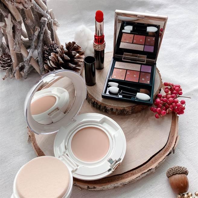 怡麗絲爾聚焦粉霜搭配心機星魅咖啡特調眼影#BR601藍莓甜甜圈,打造充滿魅力的精緻妝容。(邱映慈攝)