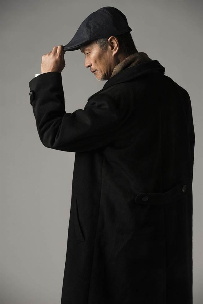 金枝演社艺术总监王荣裕,将代替金钟影帝好友吴朋奉,演出《雨中戏臺》里的「志成」一角。(台湾戏曲艺术节提供)
