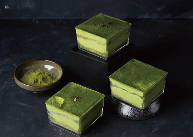 路易莎推出「金天阁抹茶甜点」系列后受到市场欢迎,图为每杯85元的「金天阁抹茶提拉米苏」。(图/路易莎咖啡 )