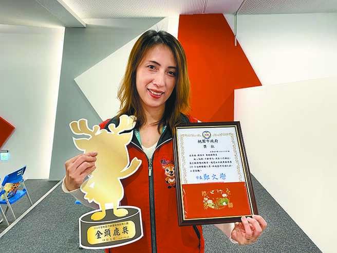 陈雅萍从事就服员11年,今年光缺工和青年专案就推介逾500人,且过半都能稳定就业,15日获表扬。(蔡依珍摄)