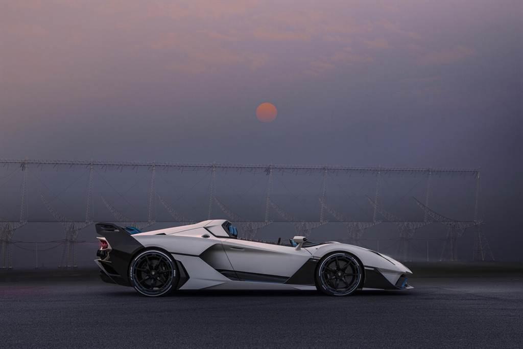 既然要開篷,就開得徹底!Lamborghini推出SC20敞篷賽車