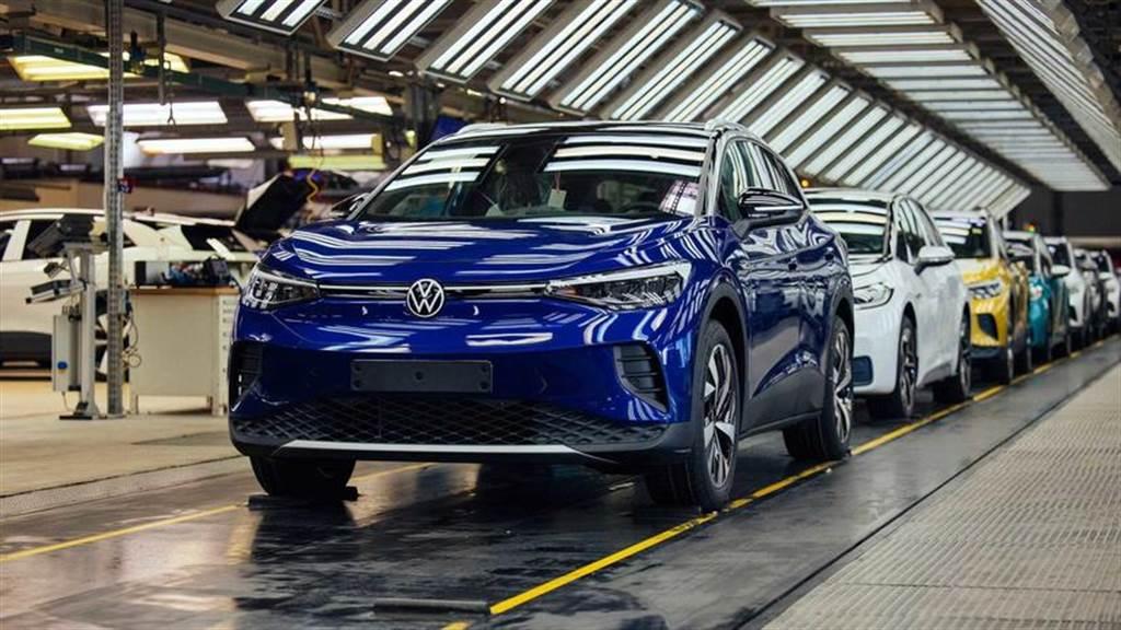 主場迎戰特斯拉!福斯最大狼堡工廠效率要翻倍,生產一輛電動車只需 10 小時