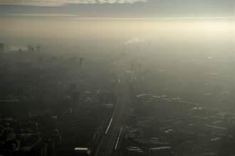 全球首例!英女童吸爆量交通廢氣喪命 死因為空汙
