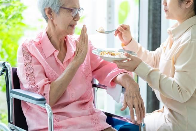 慢性腎臟病營養不能少!蛋白質能量耗損恐增死亡率,醫師圖文解說。(示意圖/Shutterstock,非新聞當事人 )