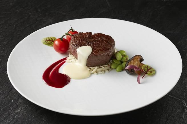 獲米其林餐盤推薦的頂級牛排餐廳-THE WANG端出限定套餐。(王品提供)