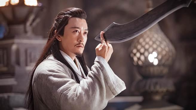 《倚天屠龙记》饰演英俊倜傥「杨逍」的美男林雨申。(中天娱乐台提供)