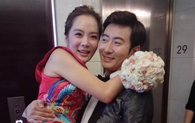 韓媒爆料蔡琳和高梓淇離婚了。(圖/微博)