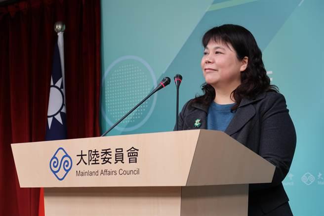 陸委會副主委李麗珍17日回應在陸台企設有中共黨組一事,表示目前無立即危害,但呼籲國人勿擔任中共黨政軍職務。(林至柔攝)
