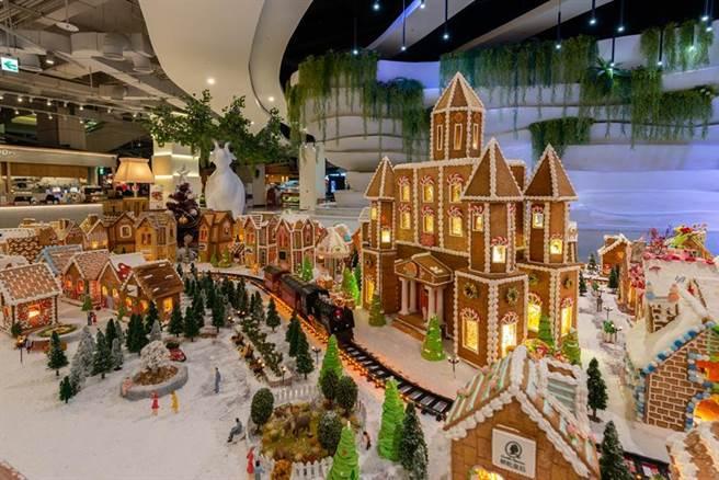 全台规模最大、栋数最多的圣诞手工姜饼城落成。图/大江购物中心提供