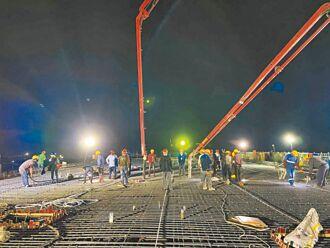 深中通道 陆域引桥首个T构浇筑完毕