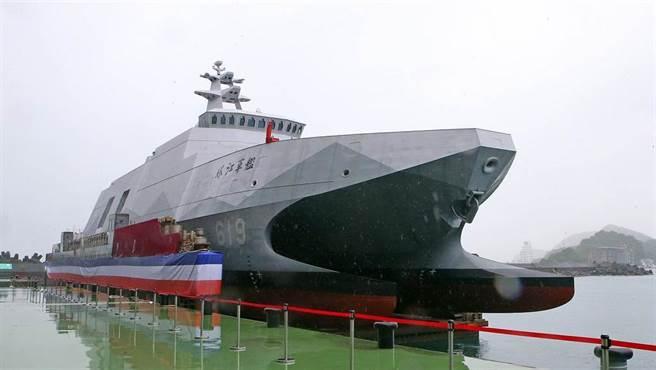 塔江艦是沱江級輕巡防艦新一批首艦,噸位擴至700噸,準備接替730噸的錦江級巡防艦。(圖/趙雙傑攝)