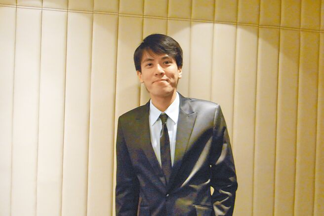 出身台東知名農場第二代的劉嘉峰在高雄自創品牌「微農坊」。(曹明正攝)