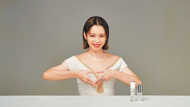 徐若瑄獻愛心,力挺方國強「Meet Love」珠寶義賣救助不丹。(Khieng ATELIER提供)