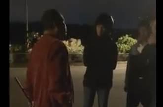 賓士男不滿被超車 持木棍恫7大學生「我要打狗」