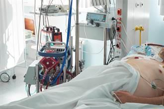 血淋教訓!13歲少年染新冠僅1周 血噴滿病房慘狀曝光