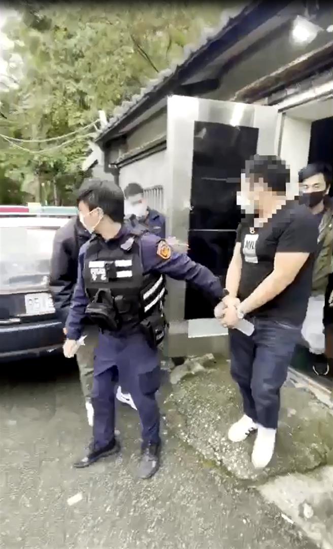 29歲吳姓通緝犯遭警方逮捕。(翻攝)