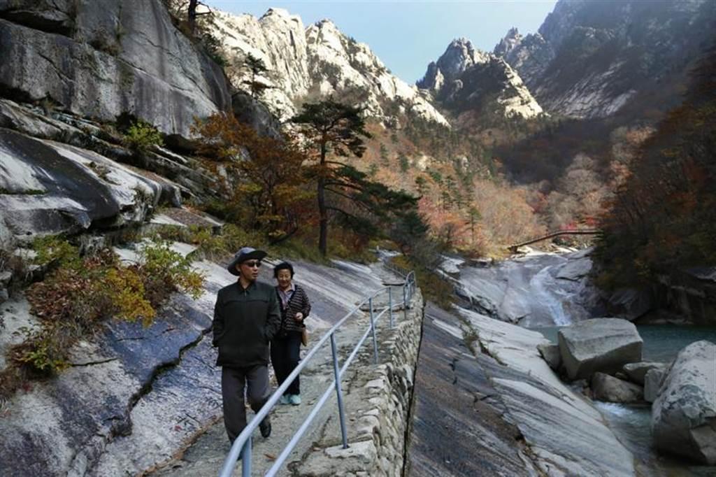 邻近南北韩边界的金刚山风景区,曾经是代表南北韩合作交流的象征。美联社(photo:ChinaTimes)