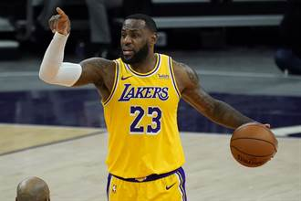 NBA》湖人開幕戰3連敗 詹姆斯有奪勝密碼
