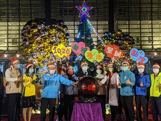 台南新營民治市政中心耶誕點燈 添佳節氣氛