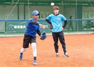 棒球》驚訝花東球員資質佳 陳冠宇要提點細膩度