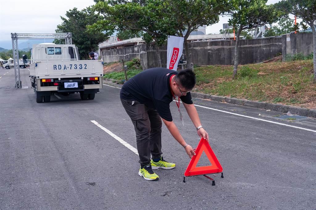 安全第一、駕駛第一! 台灣戴姆勒亞洲商車攜手內政部、交通部共同舉辦駕駛安全訓練及安檢服務