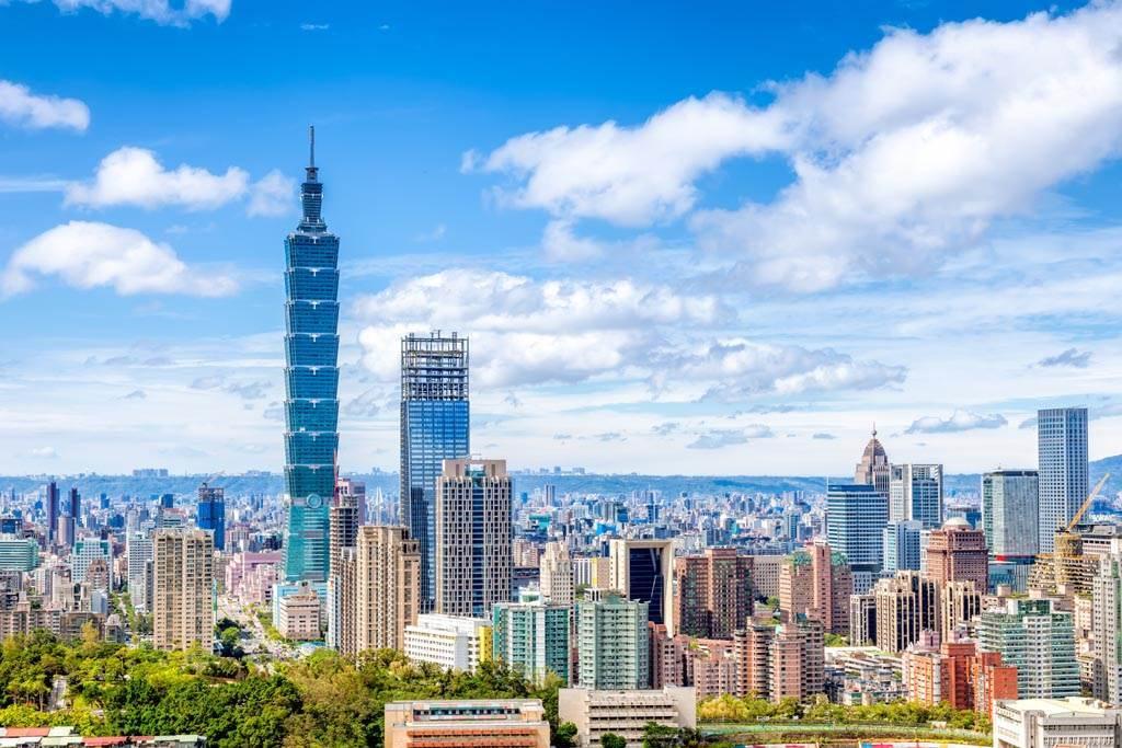 2020年外國人在台購置不動產,建物取得與去年同期相比減少9.6%,土地大幅下滑21.7%。(示意圖/達志影像)