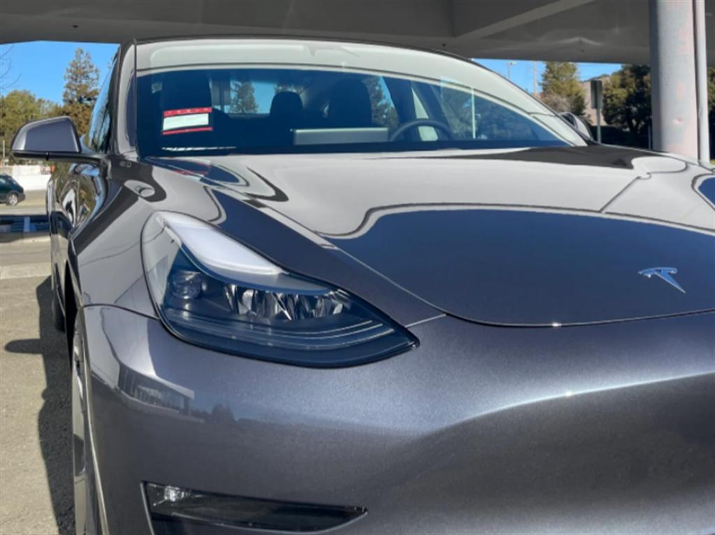 北美 Model 3 已經換上新版頭燈,台灣明年第一季新車有望跟進