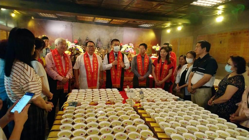 陽明山姜太公道場日前舉辦點燈祈福活動。(主辦單位提供)