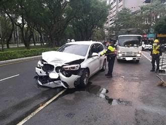 北市大安公車衝撞BMW釀5傷 轎車1嬰兒送醫