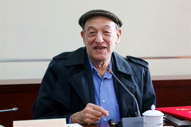 哈佛大學費正清中國研究中心(Fairbank Center)21日發布推文指出,美國著名中國問題專家、前中心主任傅高義(Ezra F. Vogel)已經辭世,享耆壽90歲。(資料照/中新社)