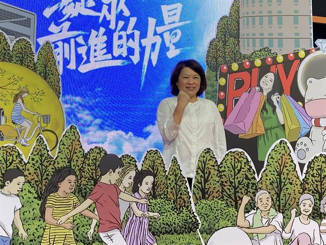 嘉義市長黃敏惠施政2周年,強調嘉義市正走在成為「台灣西部新都心」的路上。(廖素慧攝)