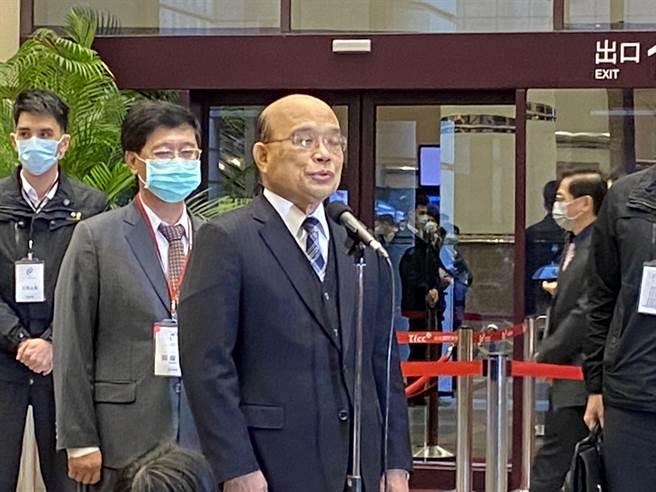 行政院長蘇貞昌今天表示,既然蘇偉碩醫師已經更正錯誤,希望法令給予斟酌。(林志成攝)