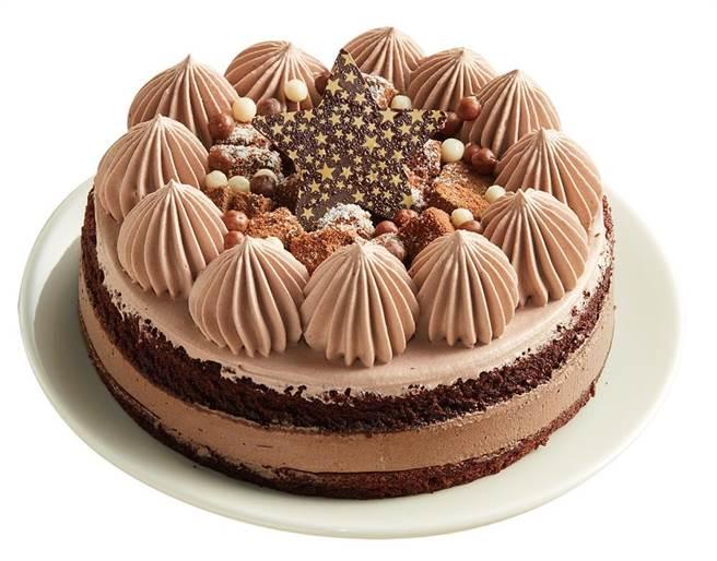 全聯晶鑽生巧慕斯蛋糕,149元;歐藝烘焙加上特製星星巧克力裝飾更亮眼。(全聯提供)